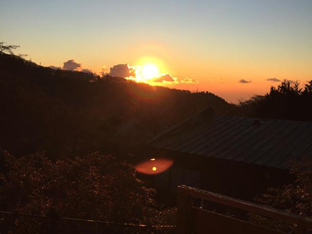 静岡県賀茂郡-ベランダのある家-夕日