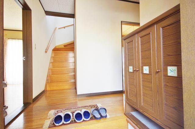 栃木県足利市-中古戸建て-赤い家-玄関