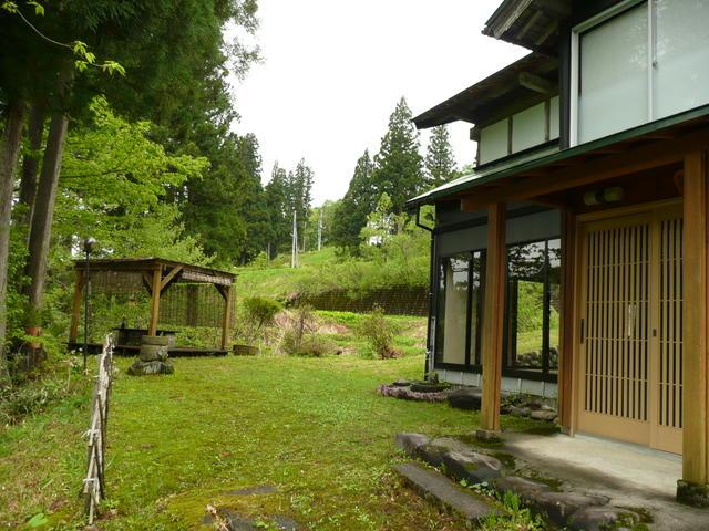 新潟県十日町-中古戸建て-庭