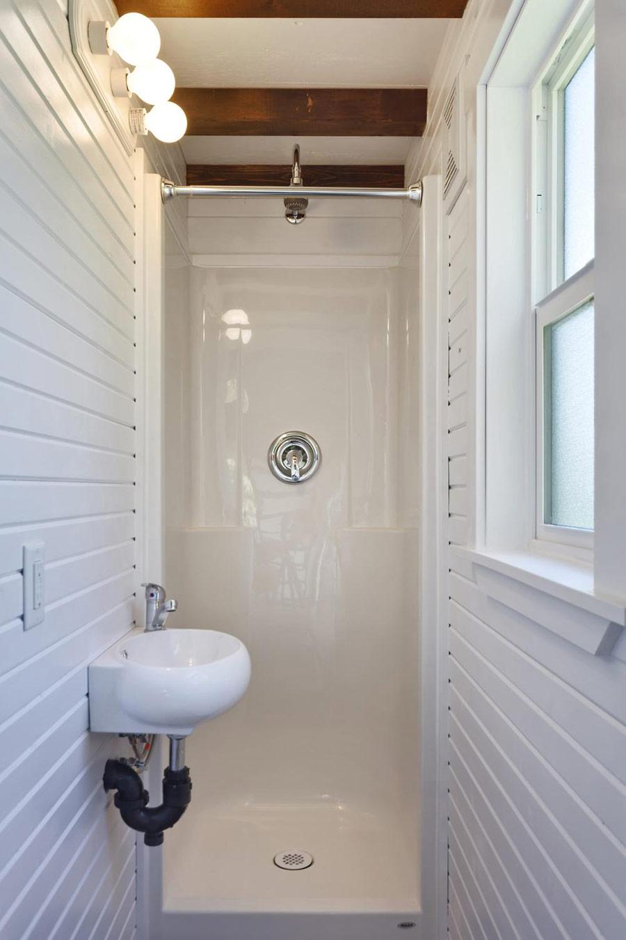 シャワールーム02