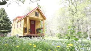 「住宅ローンから解放された」18歳から作り始めたタイニーハウス