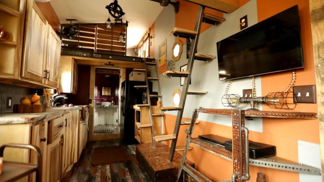 タイニーハウスの階段08