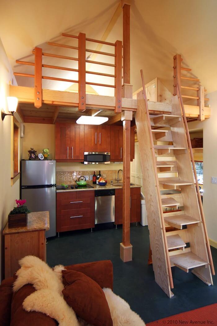 タイニーハウスの階段04