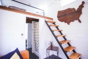 タイニーハウスの階段とはしご事情。デザインと実用性が大事!