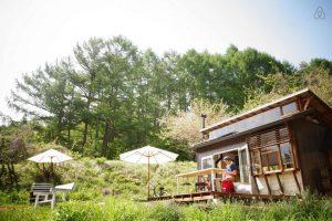 山と空。溢れる自然。極上のオフグリッド生活(長野県南佐久郡)/Airbnb