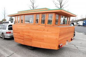 夢とこだわりを乗せた木製キャンピングトレーラー「Baske-T 60'S」