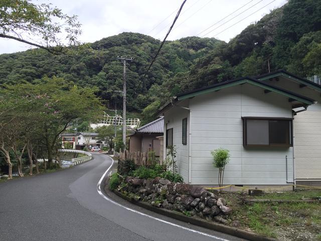 静岡県賀茂郡-中古戸建家の前