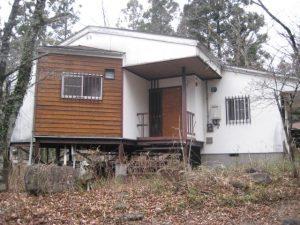 斬新な形。土地約120坪のお洒落ハウス。150万円