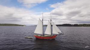 「まず始めること」小さい頃から船を作り続ける芸術家の船長