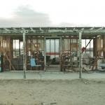 砂漠のなかのコミュニティドーム