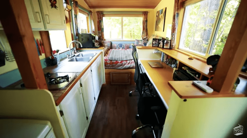 70years-offgrid-tinyhouse