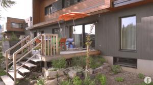 1950年代に建てられた家を「環境保全に貢献できる家」へ建て替えた男性