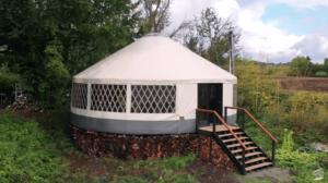 「みんなで一緒に学びながらの作業だった」約690万円で作ったテントハウス