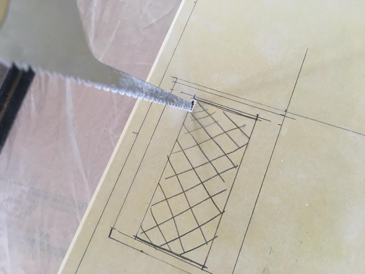 石膏ボードにコンセント穴を開ける-スマートソー